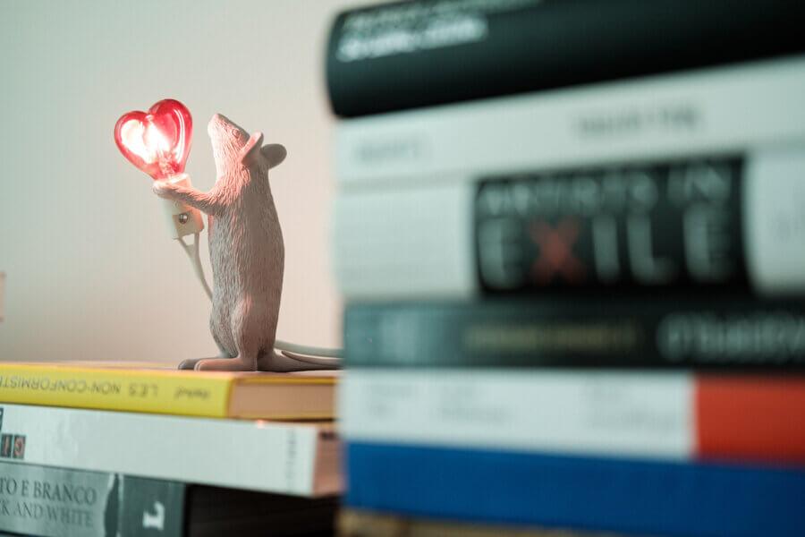 Seletti x Marcantonio Mouse Lamp Standing Love Edition